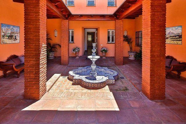 Chalet en venta en Guadalmina en Marbella (Atalaya Isdabe, Málaga)