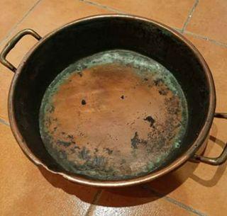 cazuela de cobre antigua