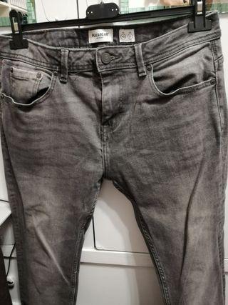 Pantalones. T40. Pull&Bear. Hombre