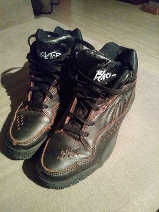 Vendo Zapatillas Reebok BlackTop Talla 45