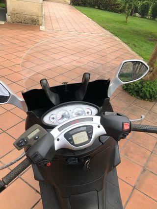 Piaggio X9 500 ie ABS