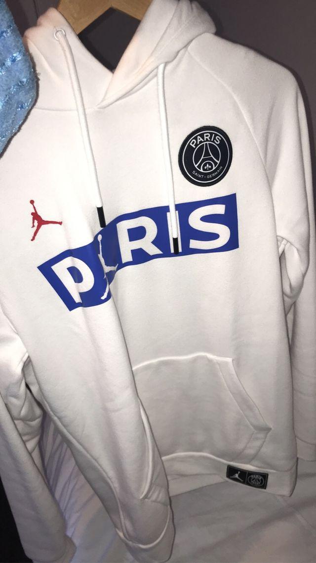 White PSG hoodie