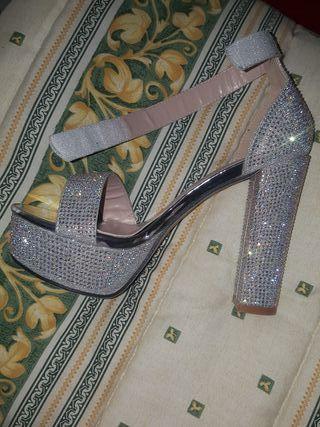 zapatos de diamantes sin estrenar