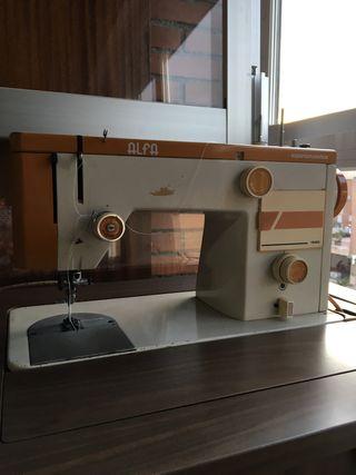 Máquina coser Alfa 1680
