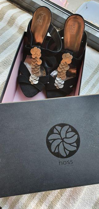 Sandalias negras Hoss Intropia