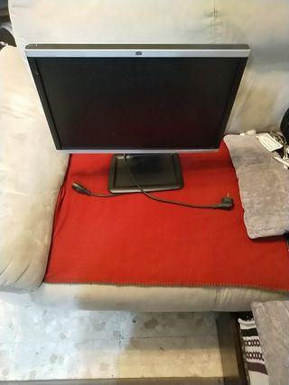 pantalla de ordenador de mesa HP Compaq con 22 pul