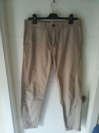 Pantalon beige, Sfera