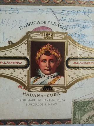 Caja con colección de vitolas antiguas