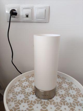 2 lamparas de mesa táctil.