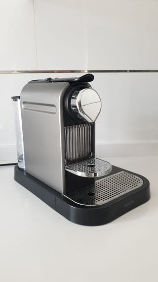 Cafetera Nespresso krups Citiz & Milk nueva