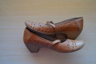 Zapatos tacón bajo mercedita verano piel ocre N.39