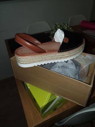 zapatos ,tipo mayorquinas