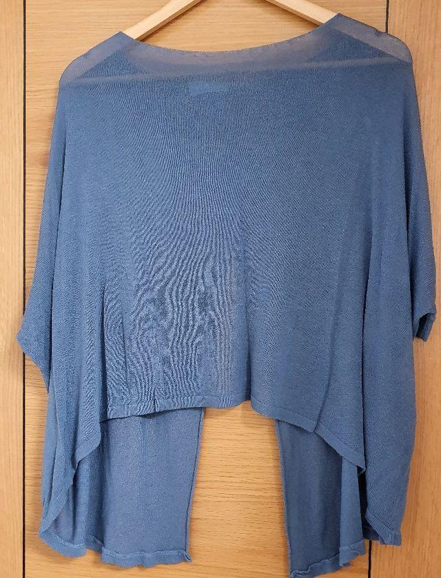 Camiseta sin espalda moda