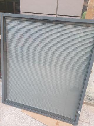 mamparas divisorias oficina cristal y persiana