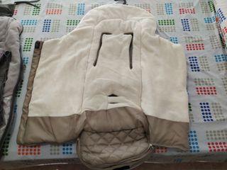 Saco de bebe color beig invierno