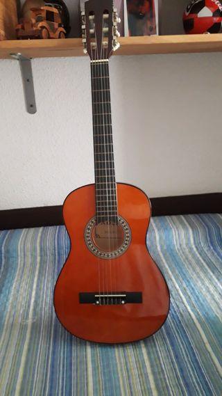 Guitarra pequeña, para niñ@.