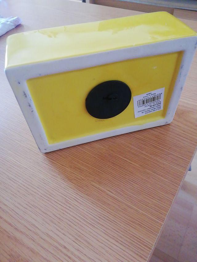 Hucha Lego color amarilla
