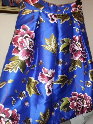 Falda midi nueva