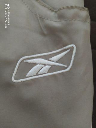vendo pantalón deportivo Reebok