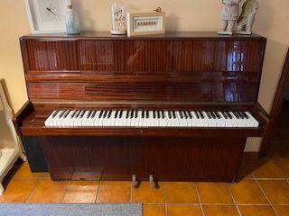 Piano Vertical RÖNISCH