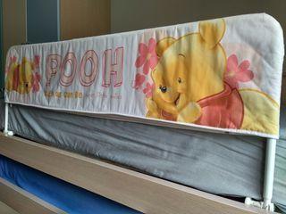 Barrera abatible y extensible para cama