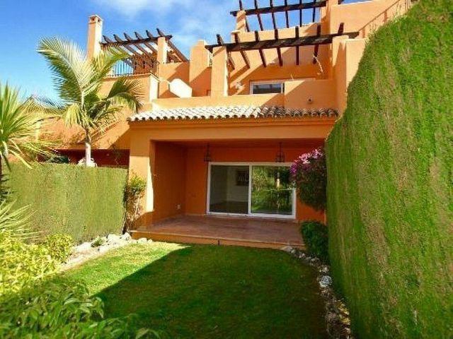 Casa adosada en venta en Benahavís (Cancelada, Málaga)