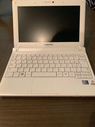 Ordenador Samsung Notebook N 145 plus.