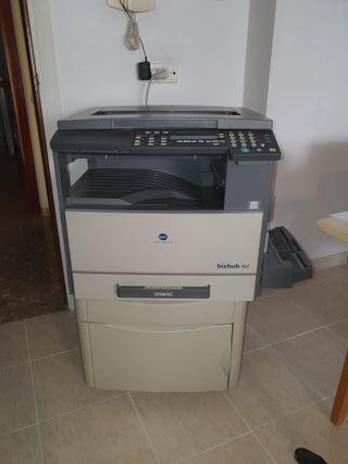 Impresora fotocopiadora Minolta Bizhub 162