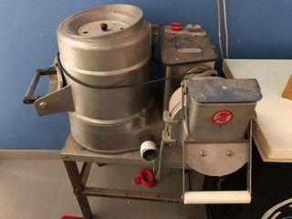Maquina peladora, cortadora y ralladora de patatas