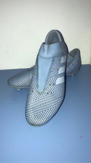 Botas de fútbol Adidas sin cordones