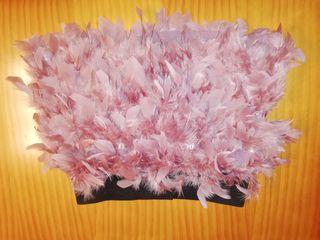 falda de plumas rosa Stradivarius