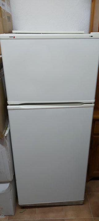 frigorífico fagor funciona perfectamente
