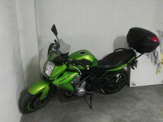 se vende kawasaki ER6N 650cc