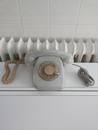 teléfono gris