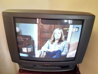 TV SANYO + TDT PHILIPS