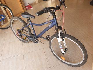 2 bicicletas, una marca Orbea.