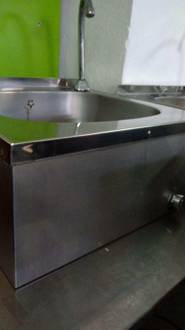 Lavamanos de Acero Inox.de pared (C-10)