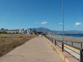 Primera línea de playa Sabinillas