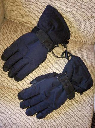 Guantes militares de invierno.