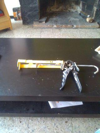 pistola celicona