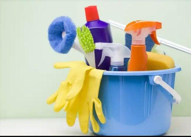 chica busca trabajo de limpieza