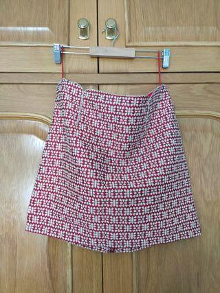falda roja y blanca