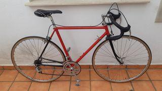 Bicicleta de carretera. Talla 52 (175cm)
