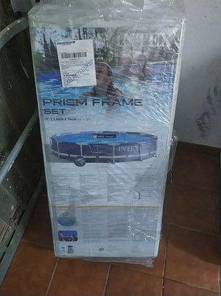 sin estrenar, totalmente nueva piscina acero