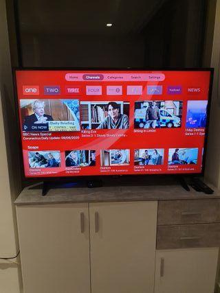 Polaroid P50LED16 45 Smart Full HD LED TV