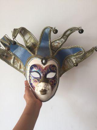 Preciosa máscara auténtica Veneciana .