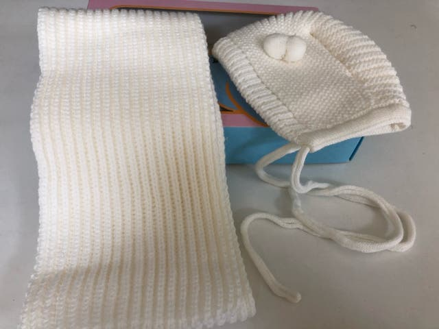 Conjunto de capota y bufanda