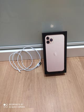 Caja Iphone 11proMAX con cable de carga