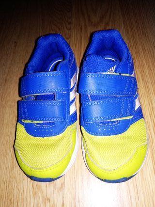 Zapatillas Adidas niño TALLA 25
