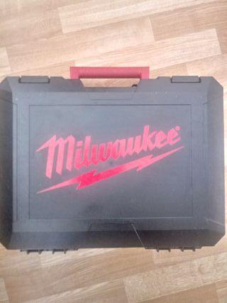 Fresadora recta MILWAUKEE a bateria